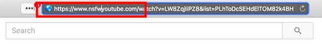 """Highlight phần địa chỉ có nội dung """"youtube.com"""" và đổi nó thành """"nsfwyoutube.com"""""""